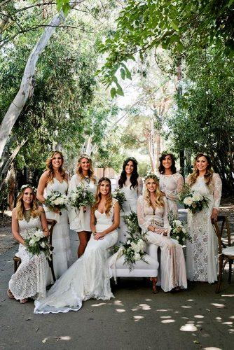 greenery wedding photo shoot bride and bridesmaid idea