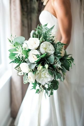 wedding bouquet ideas peonies and greenery wedding bouquet