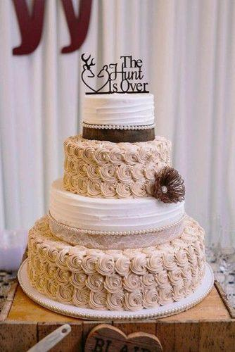 beautiful wedding cakes toppers- script buttercream lace lois elaine photography
