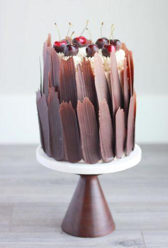 beautiful wedding cakes chocolate cake with berry bakingwithblondie