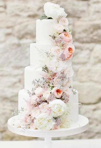beautiful wedding cakes flower cascade on white cake finespuncakess