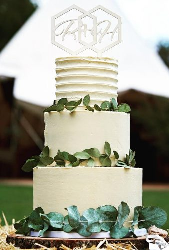 beautiful wedding cakes rustic cake with greenery ellebellebakes