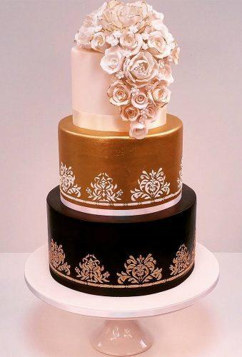 colored wedding cakes classic wedding cake with gold cakesofyourdreams