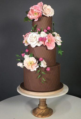 colored wedding cakes flower chocolate cake thebutterend