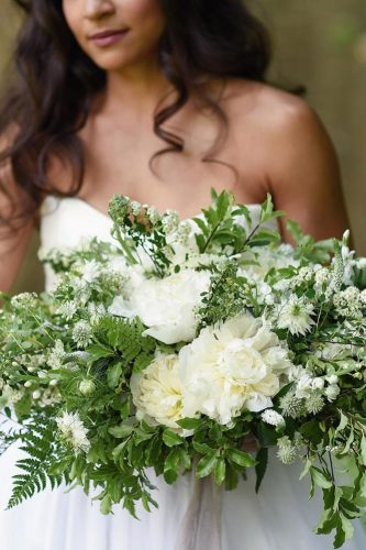 gorgeous summer wedding bouquets full green flowersbyeve via instagram