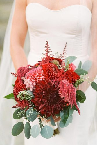 gorgeous summer wedding bouquets red flowers lisa odwyer photography
