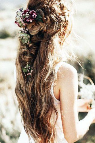 wedding hairstyles with flowers braided hair boho style lindseypengelly