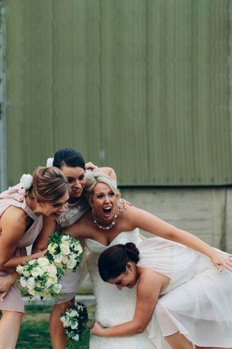 funny wedding pictures bridesmaids with bride ljm photography