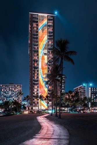 hawaii honeymoon night view of the tall hotel building evening lights hiltonhawaiianvillage