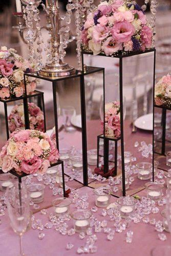 mirror wedding ideas stands with romantic pink flowers décor dolche_vita_decor via instagram