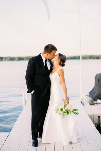 romantic photos wedding day bride and groom on the lake elisabettalilly via instagram