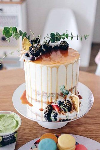 small wedding cakes small rustic cake eoracakeistry