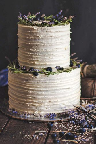textured wedding cakes with cream and lavender maria bondareva via instagram