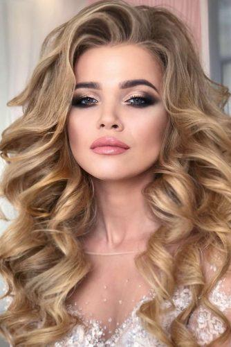 wedding makeup looks classic with pinl lips komarova_websalon