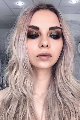 wedding makeup looks elegant shimmer dark eyeshadows pale pink lips kslev_makeup