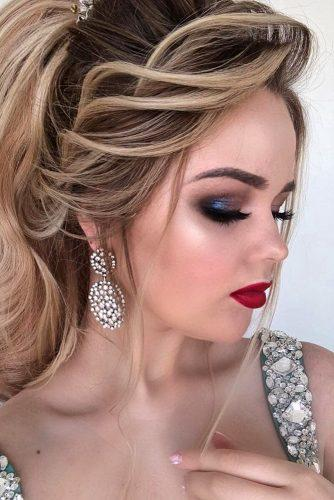 wedding makeup looks with red lips and blue shimmer eyeshadows for blondes komarova_websalon