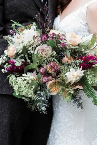 fall wedding bouquets greenery and pink flowers jessicajaccarinophoto