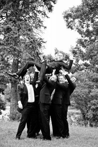 groomsmen-photos-bella-gala