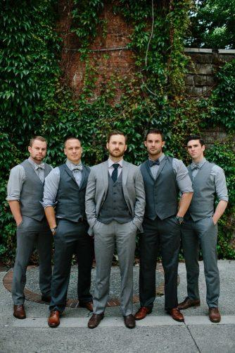 groomsmen-photos-berkley-vopnfjöro