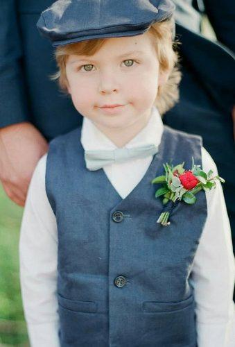 groomsmen photos cut boy in hat johnkomanphoto