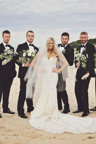 groomsmen photos photo on the beach giafotofineartphotography