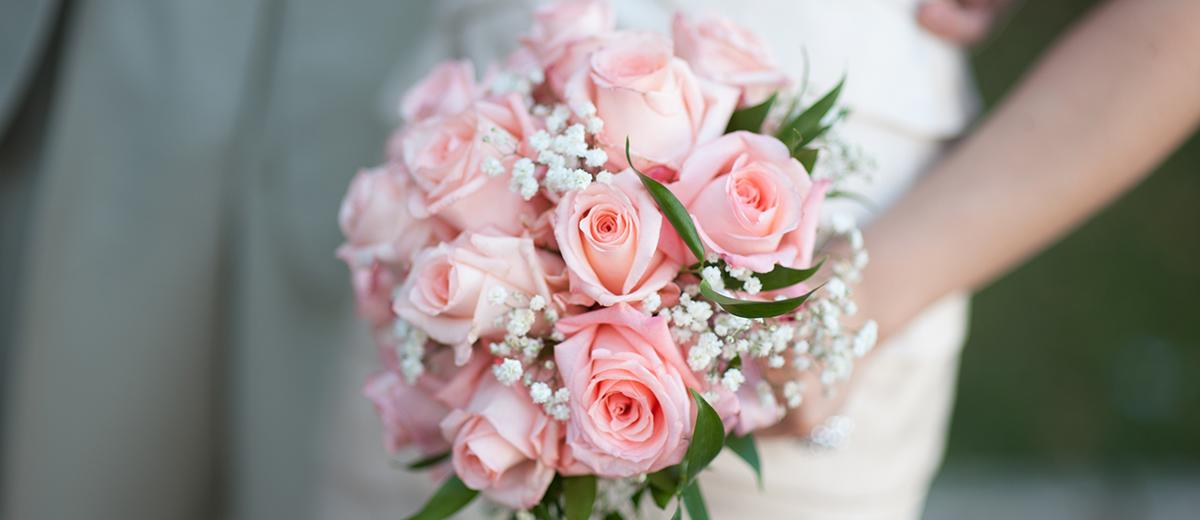 pink wedding bouquets featured