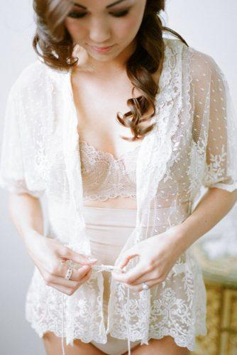 wedding-boudoir-book-with-gentle-photo-ideas-bunn-salarzon-photography