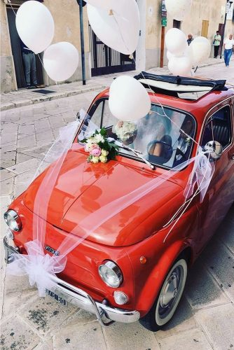 wedding car decorations red fiat decorated with white balloons ribbons and flowers the amazing fiat 500 via instagram