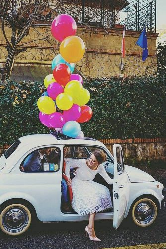 wedding car decorations the bride comes out of the car decorated with balls the amazing fiat 500 via instagram