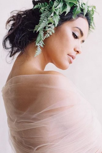 wedding hair and makeup greenery lunademarephoto