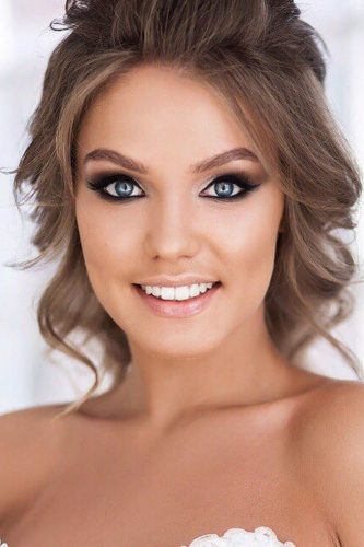 wedding makeup for brunettes blue eyes with loose curls geller makeupstyle