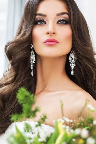 wedding makeup for brunettes romantic with rose lips archstyle