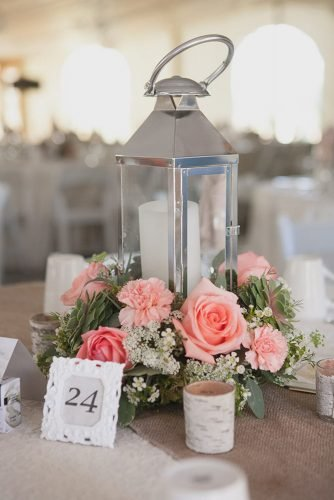 wedding table decorations lantern centerpiece with pink roses kampphotography