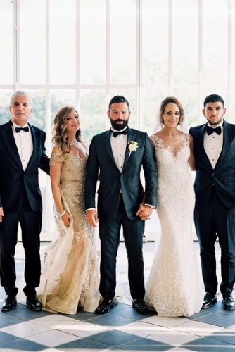 zeynab kanso wedding family photo with bride and groom joseba sandoval