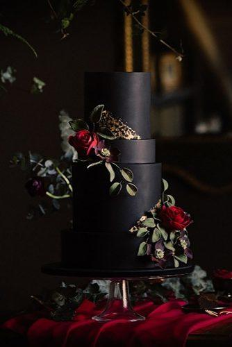 black and white wedding cakes black cake dark roses theconfetticakery