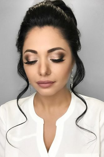 bridesmaid makeup classy smokey eyes with long lashes and nude pink lips elegant elstile