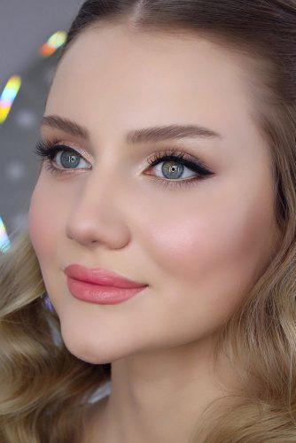 bridesmaid makeup gentle natural for grey eyes with arrows and pink lips makeup_patya_muradova