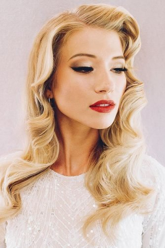 bridesmaid makeup hollywood style gold arrows with red lips hairandmakeupbysteph