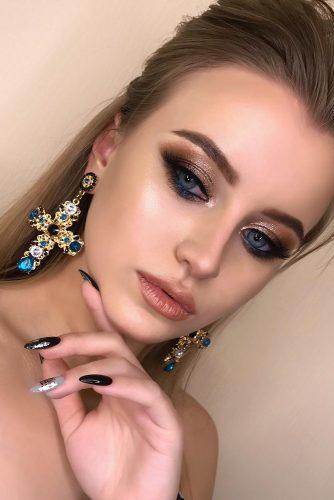 bridesmaid makeup peach lips gold eyeshadows blue eyeliner nikolaeva.makeup