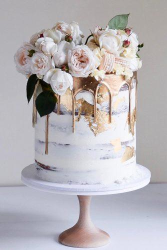 drip wedding cakes small white naked with flowers gentle and gold laombrecreations