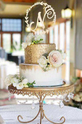 gold wedding decorations gold cakewith monogram kategreenawaltphotography