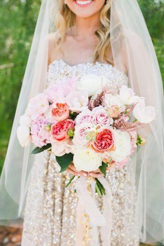 gorgeous summer wedding bouquets big summer bouquet onelove photography