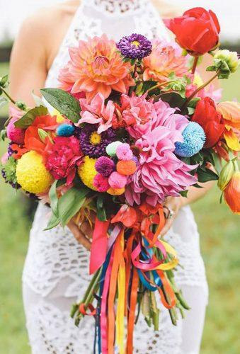 gorgeous summer wedding bouquets color wedding bouquet larahotzphotography
