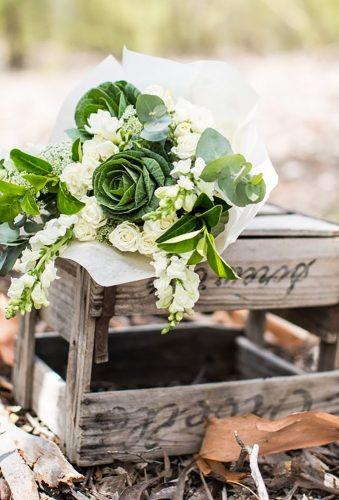 green wedding florals white green bouquet tessgodkinphotography