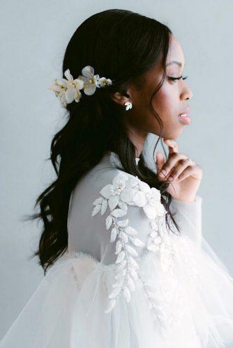 hair accessories inspiration half up half down with white flowers halo ambergressphotography