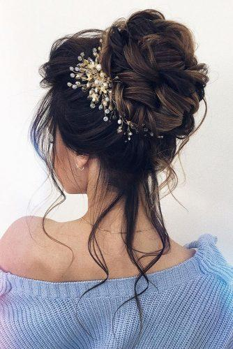 hair accessories inspiration high curly bun with hairpin xenia_stylist via instagram
