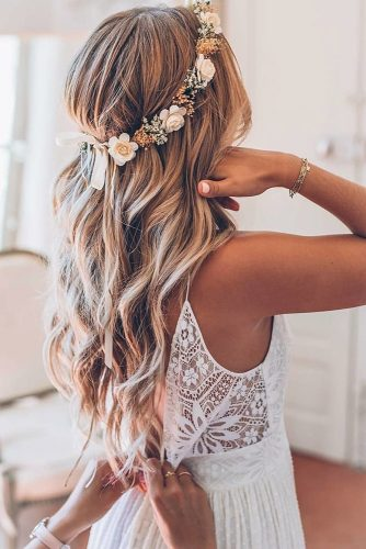 hair accessories inspiration wedding hairstyles long blonde loose waves with flowercrown yuliyahairstylist_france