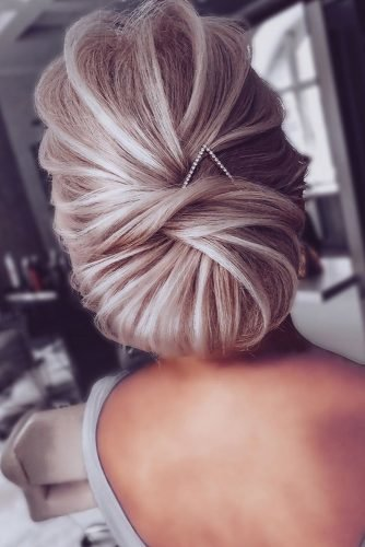 mother of the bride hairstyles elegant low textured chignon nikihair.ru