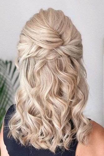mother of the bride hairstyles on curly blonde hair half up half down bridal_hairstylist