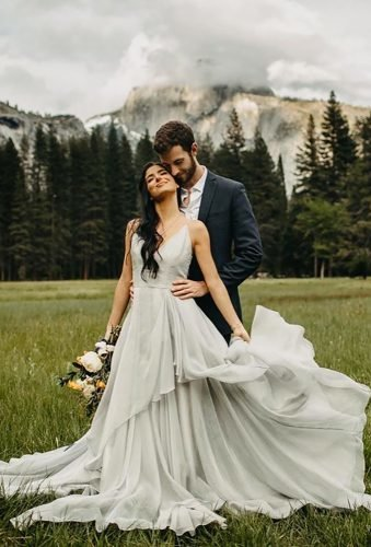 romantic photos wedding day wedding photo in mountains janelle elise photo